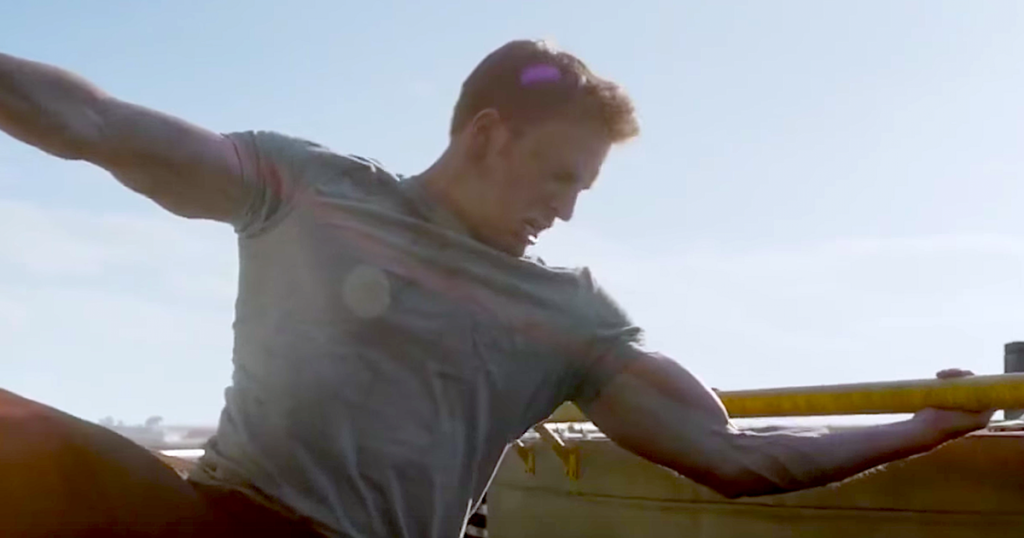 Chris Evans' biceps were really that huge in 'Captain America: Civil War'